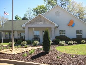 InTown Suites Auburn in Auburn, Alabama