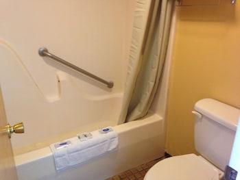 Forest Hill Inn - Bathroom  - #0