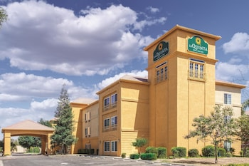 La Quinta Inn & Suites Bakersfield North