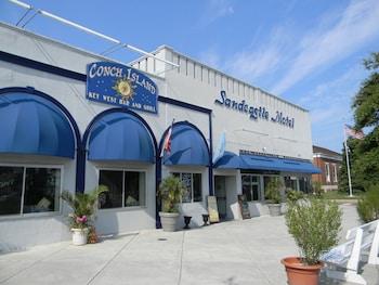 The SandCastle Motel