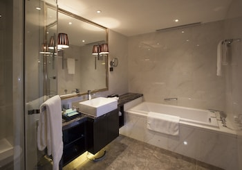 Lee Garden Service Apartment - Beijing - Bathroom  - #0