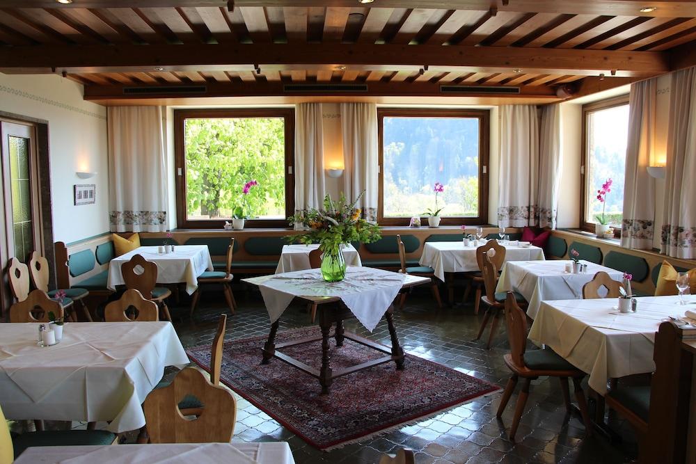 Hotel Schone Aussicht Salzburg Inr 11247 Off 1 1 2 4 7 Hotel