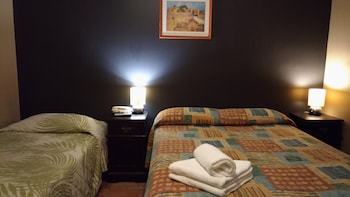 City Palms Motel - Guestroom  - #0