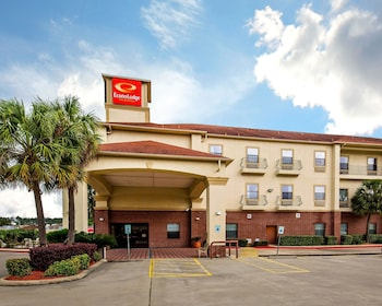 Econo Lodge Inn & Suites in Beaumont, Texas