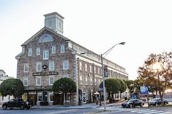 紐波特灣俱樂部及飯店