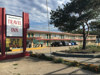 Travel Inn Motel in Michigan City, Indiana