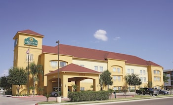 La Quinta Inn & Suites Mission at West McAllen
