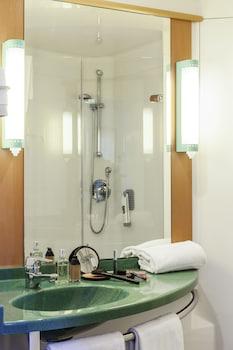ibis Barcelona Aeropuerto Viladecans - Bathroom  - #0