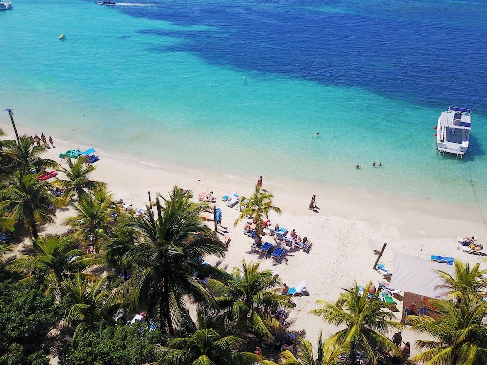 Henry Morgan Resort - All Inclusive