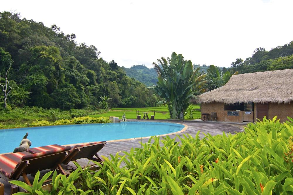 Hmong Hilltribe Lodge