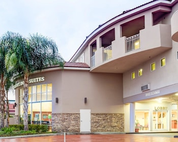 Comfort Inn & Suites Near Universal - N. Hollywood - Burbank in North Hollywood, California
