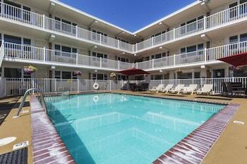 Esplanade Suites, a Sundance Vacations Resort in Wildwood, New Jersey