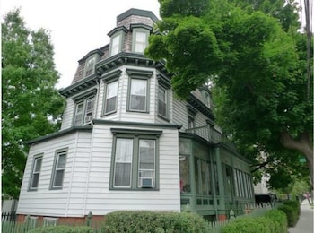 Fort Place Bed & Breakfast in Staten Island, New York