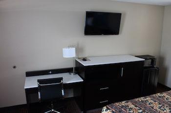 Economy Inn North Oklahoma City - In-Room Business Center  - #0