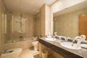 Hotel Isabel de Segura - Bathroom  - #0