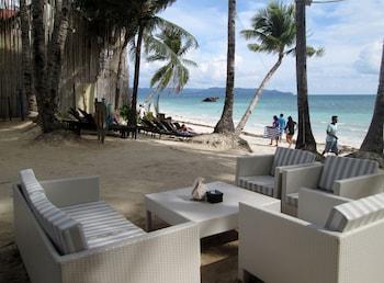 Microtel Boracay Hotel Bar