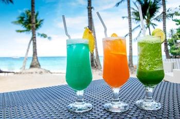 Microtel Boracay Poolside Bar