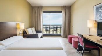 Hotel ILUNION Calas De Conil - Guestroom  - #0