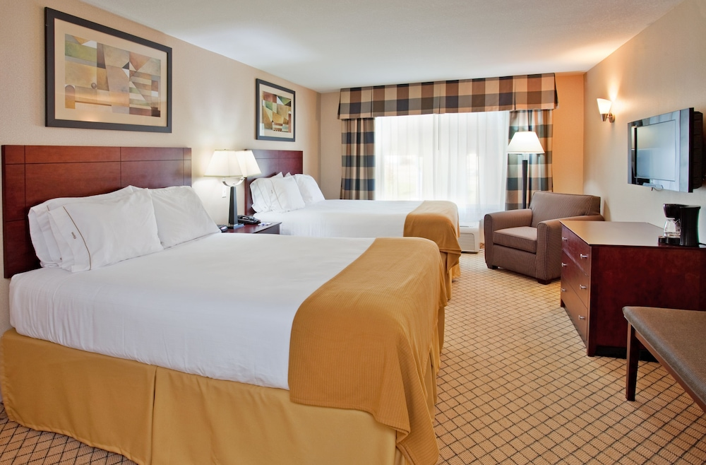 Holiday Inn Express & Suites Wichita Airport