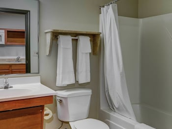 WoodSpring Suites Laredo - Bathroom  - #0