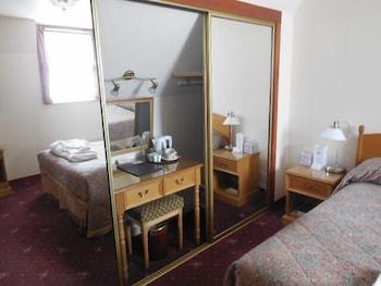 Butler's Guest House - Guestroom  - #0