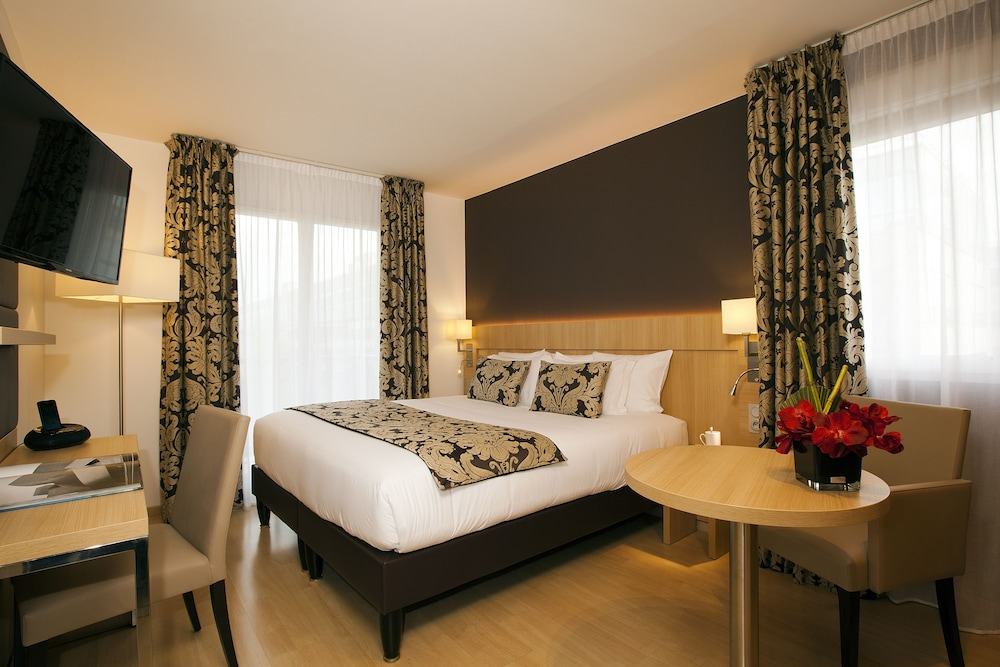Residhome Appart Hotel Paris-Massy