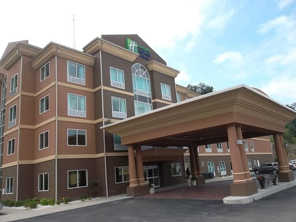 Holiday Inn Express Hotel & Suites Hazard