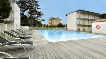 tarifs reservation hotels Vacancéole – Le Domaine du Château – La Rochelle/Île de Ré