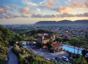 Photo for Ippotur Medieval Resort in Castelnuovo Magra