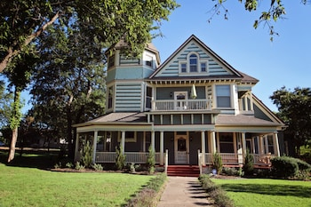 Granny Lou's Bed and Breakfast in Bonham, Texas
