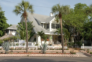 Photo for Beach Drive Inn Bed & Breakfast in St. Petersburg, Florida