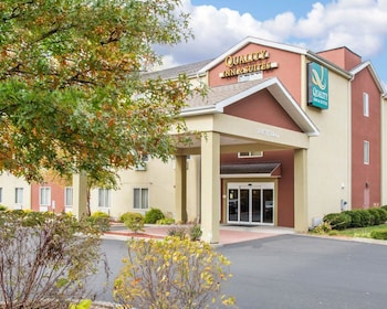 Quality Inn & Suites in Meriden, Connecticut