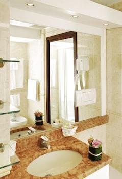 Aparthotel Adagio Rome Vatican - Bathroom  - #0