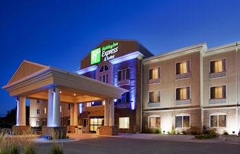 Holiday Inn Express & Suites Cherry