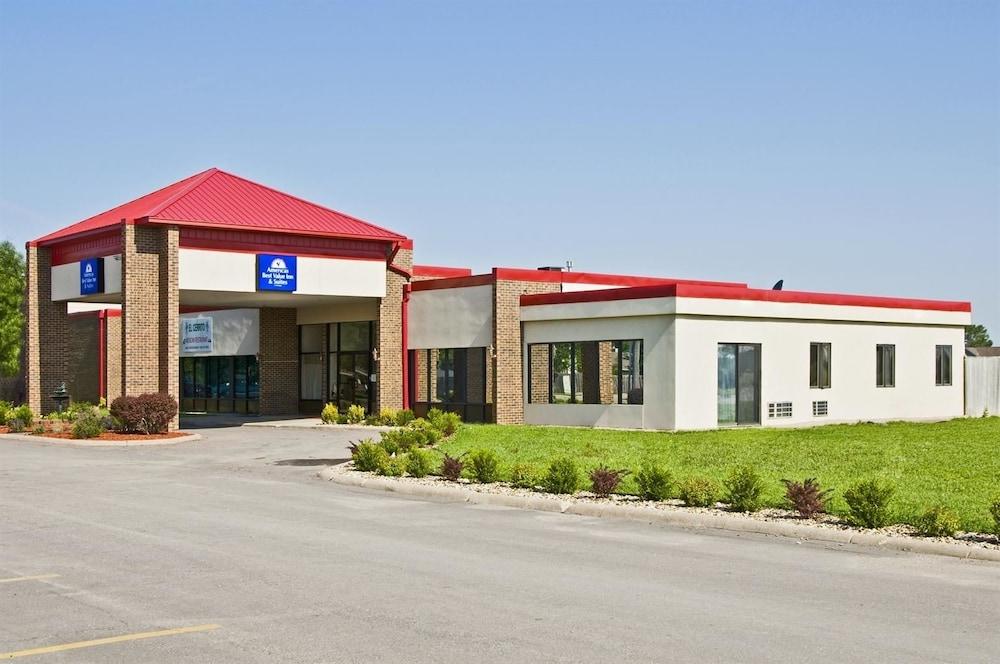 Americas Best Value Inn & Suites Hesston