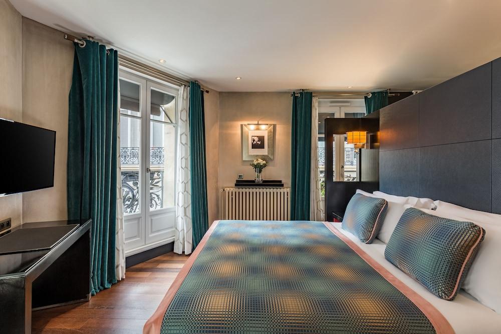 Room Mate Alain Champs Elysées