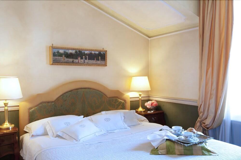 Petit Palais Hotel De Charme