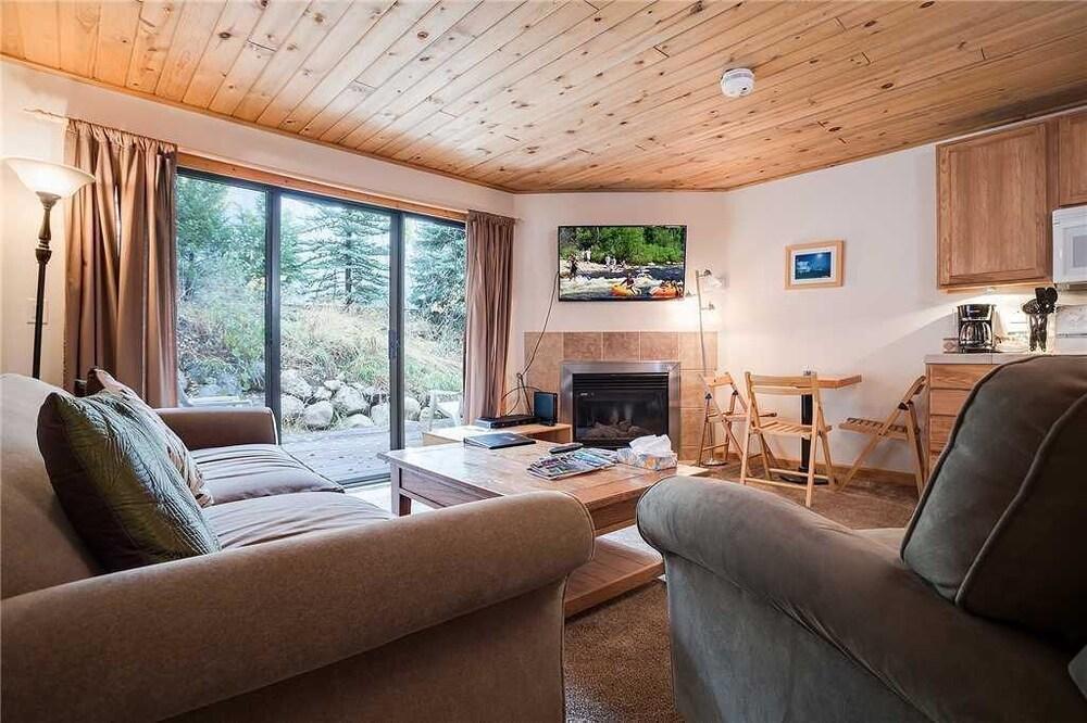 Scandinavian Lodge And Condominiums by Pioneer Ridge Mgmt