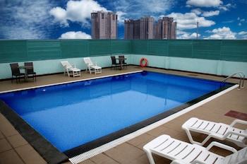 Gokulam Park Sabari OMR Hotel - Outdoor Pool  - #0