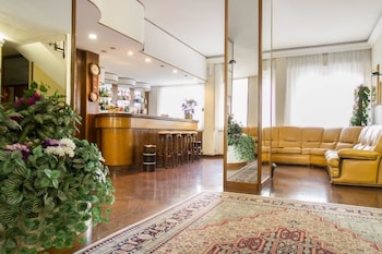 Prenota Hotel Mantegna