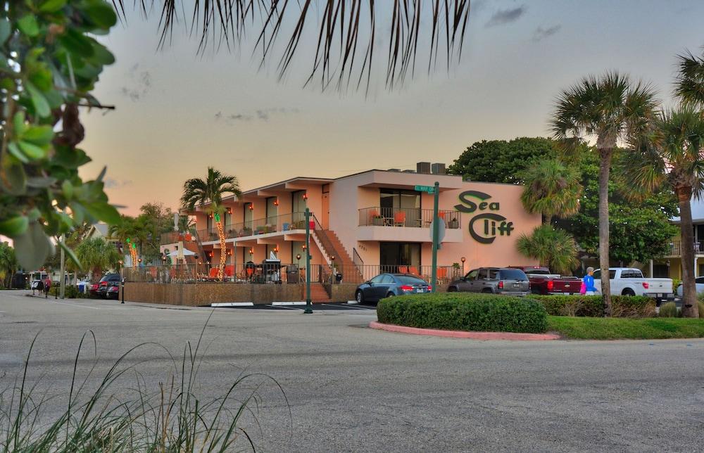 Sea Cliff Motel