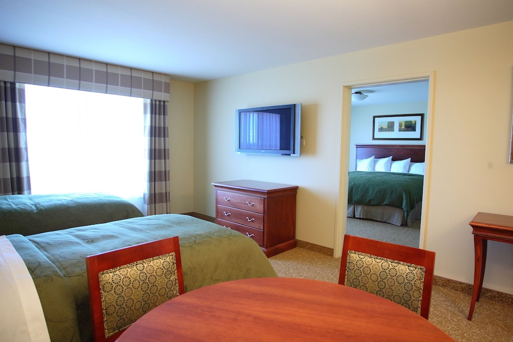 Hotel Rooms In Grand Forks Nd