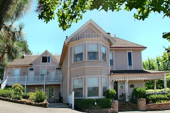 Power's Mansion Inn in Placerville, California