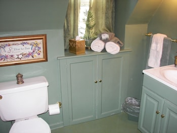 Longacre Bed and Breakfast - Bathroom  - #0