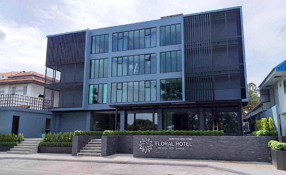 Nora Lakeview Hotel