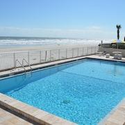 海灘日出旅館