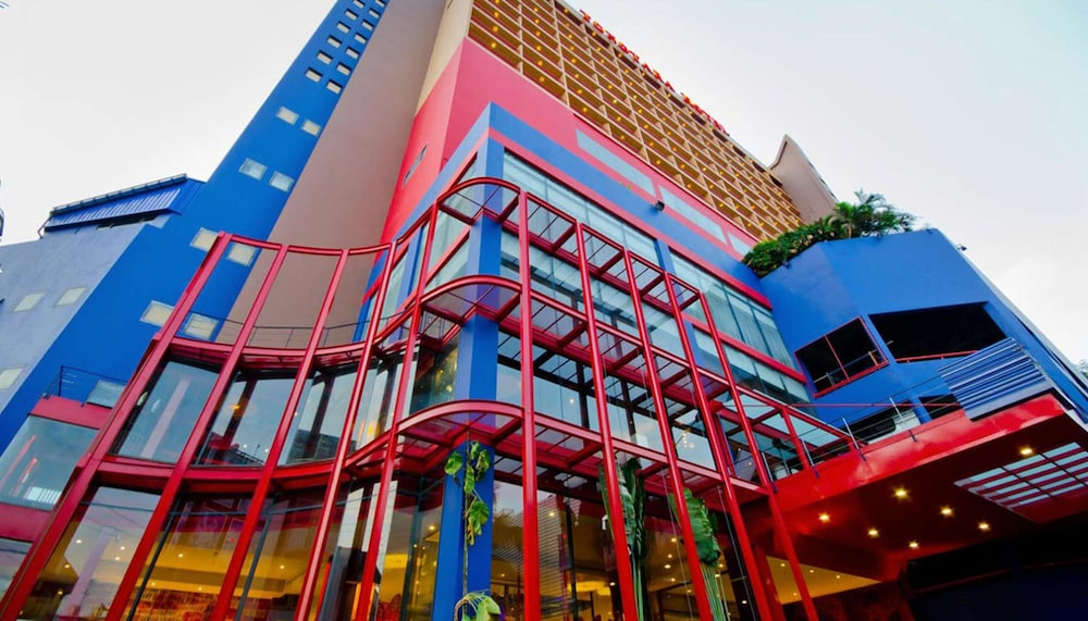 Tongtara Riverview Hotel