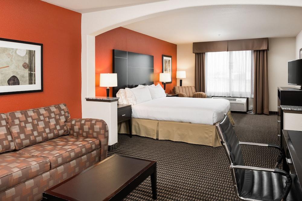 Holiday Inn Express & Suites Chowchilla - Yosemite Park Area