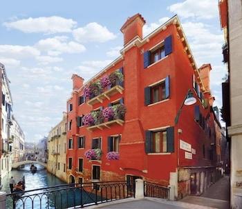 Photo for Hotel Mercurio Venezia in Venice