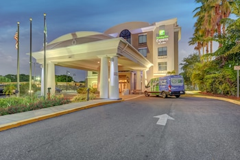 Holiday Inn Express & Suites Tampa USF Busch Gardens in Tampa, Florida